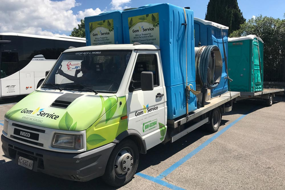 noleggio wc mobili per cantieri a cassino e provincia di ForMobili Frosinone E Provincia